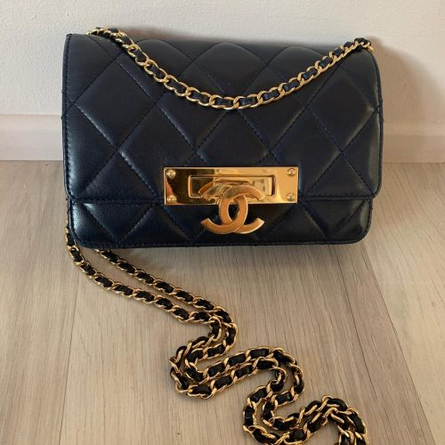 Sac à main Chanel Woc golden glass, Cruise Collection, en cuir bleu marine
