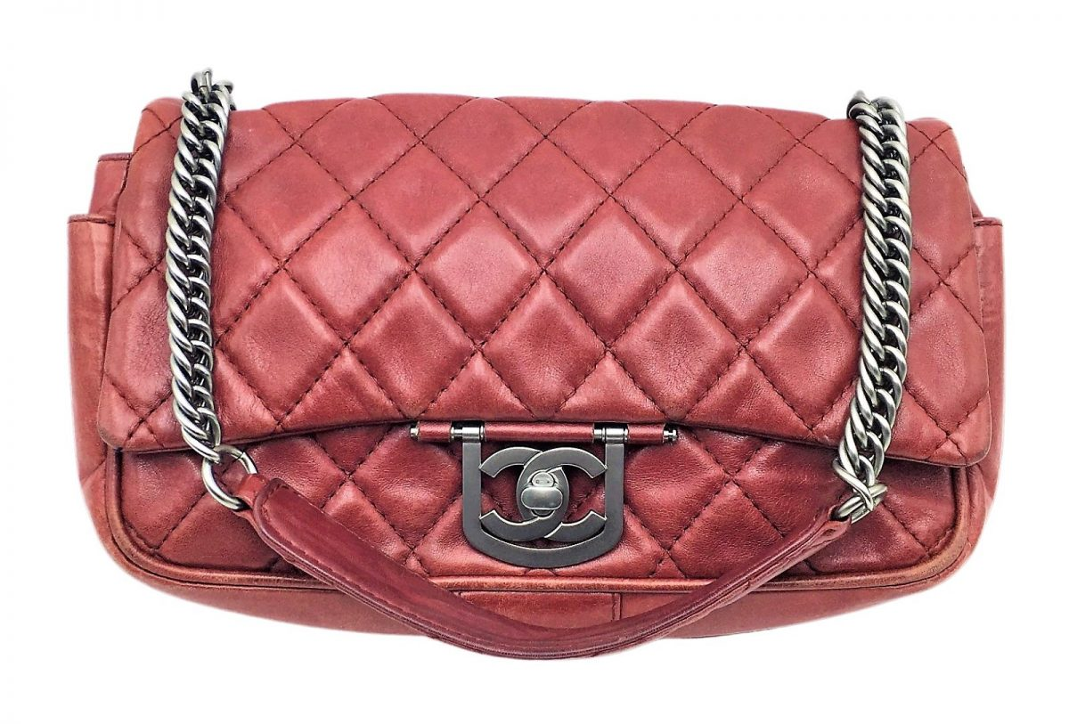 Chanel Timeless Icons Secret Label Cuir Rouge