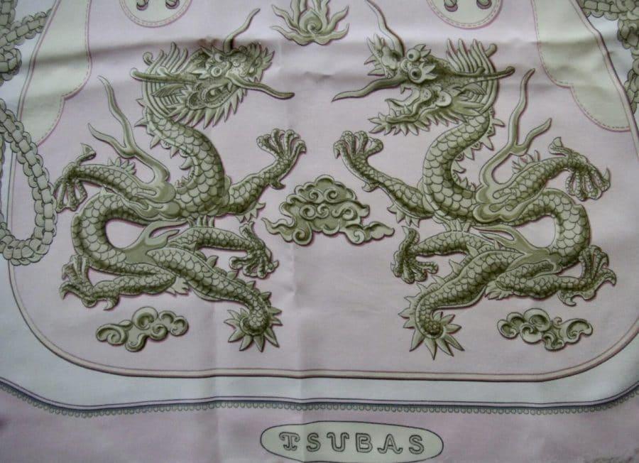 Hermès carré Tsubas vert et rose pâle