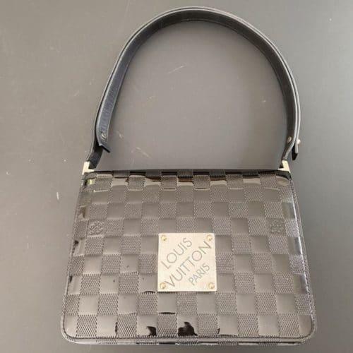 Louis Vuitton Cabaret bandoulière cuir verni noir en bon état