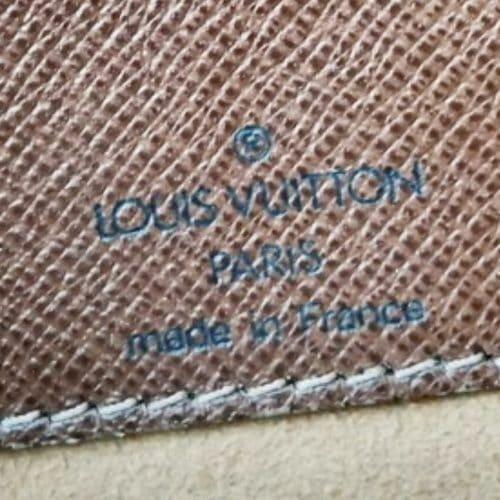 Superbe musette Louis Vuitton Salsa GM damier ébène d'occasion. Très bon état. Profitez de la livraison offerte.