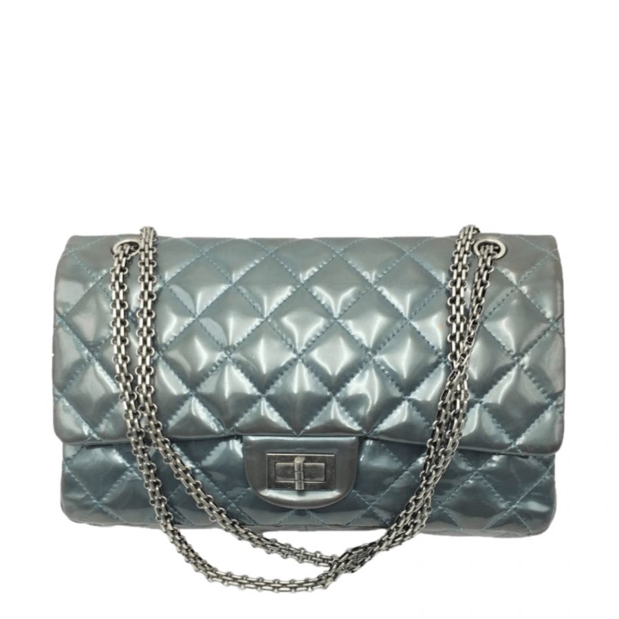 Chanel 2.55 Medium Classic Cuir Verni Gris Bleu - Occasion Très Bon Etat