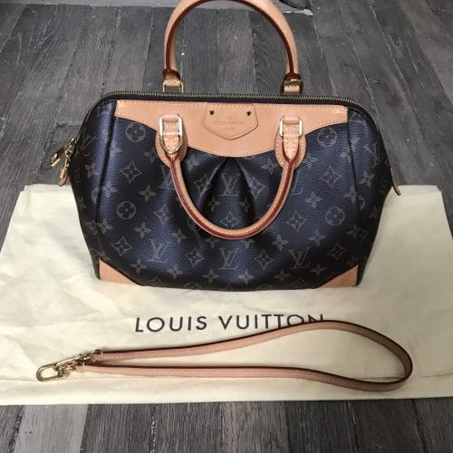 Sac Louis Vuitton Segur en toile monogramme, pre-loved en très bon état. Iconprincess, icon princess