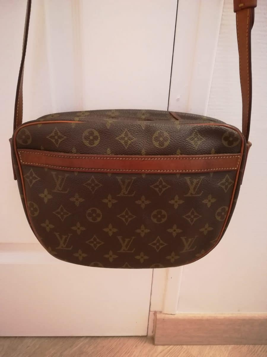 Sac Vuitton Jeune Fille vintage en bon état. Iconprincess, icon princess