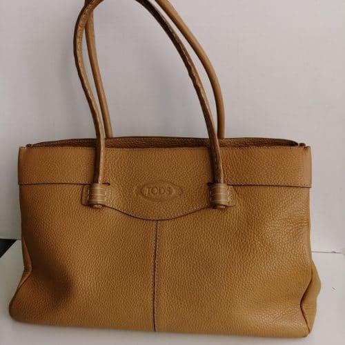 Tod's sac cabas médium en cuir grainé fauve. Très bon état