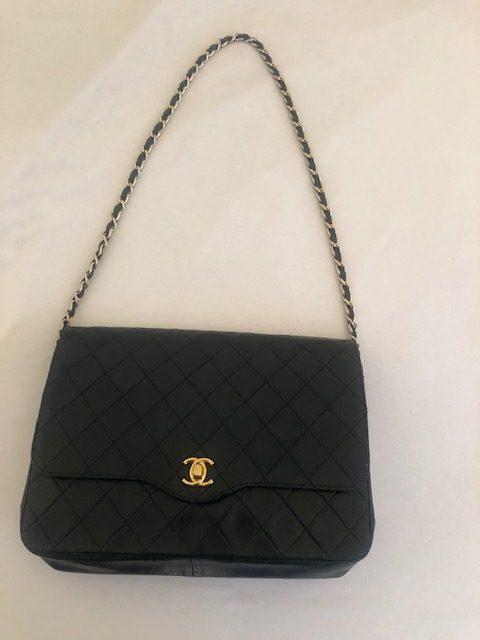 Chanel Timeless vintage cuir noir Très bon état - IconPrincess