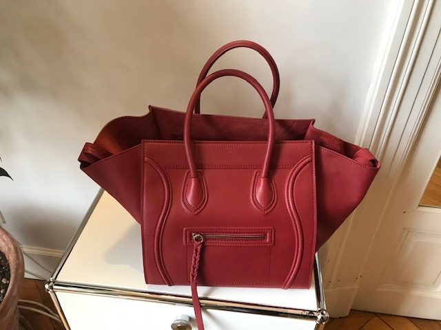Celine Luggage Phantom M rouge