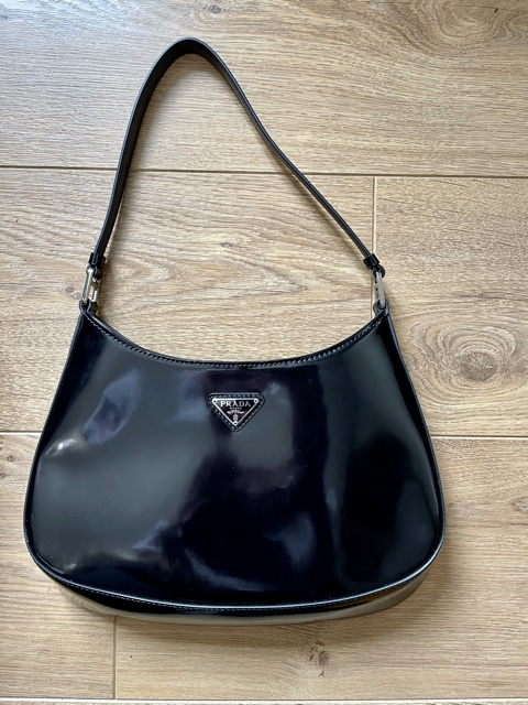 Prada Cléo cuir noir